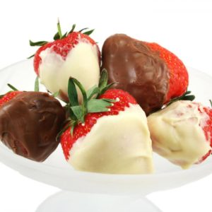chocolate-dipped-strawberries-close-up